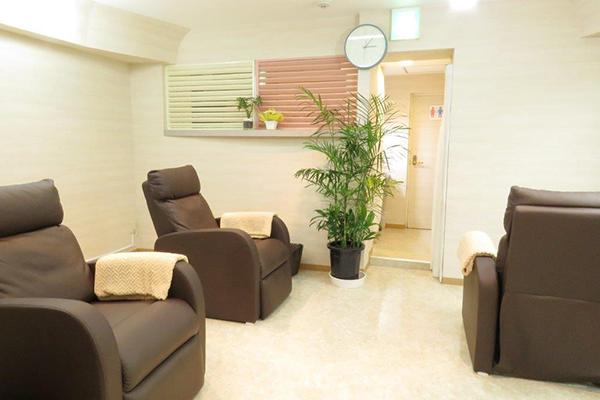 tb0015 - 新宿東口店
